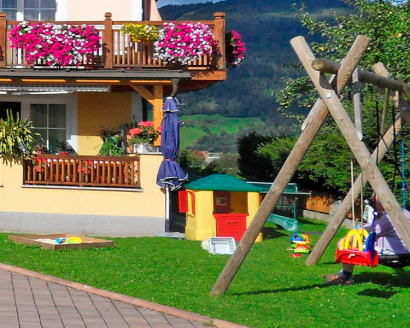 Spielplatz beim Haus Maier - Ferienwohnung in Flachau, Salzburger Land